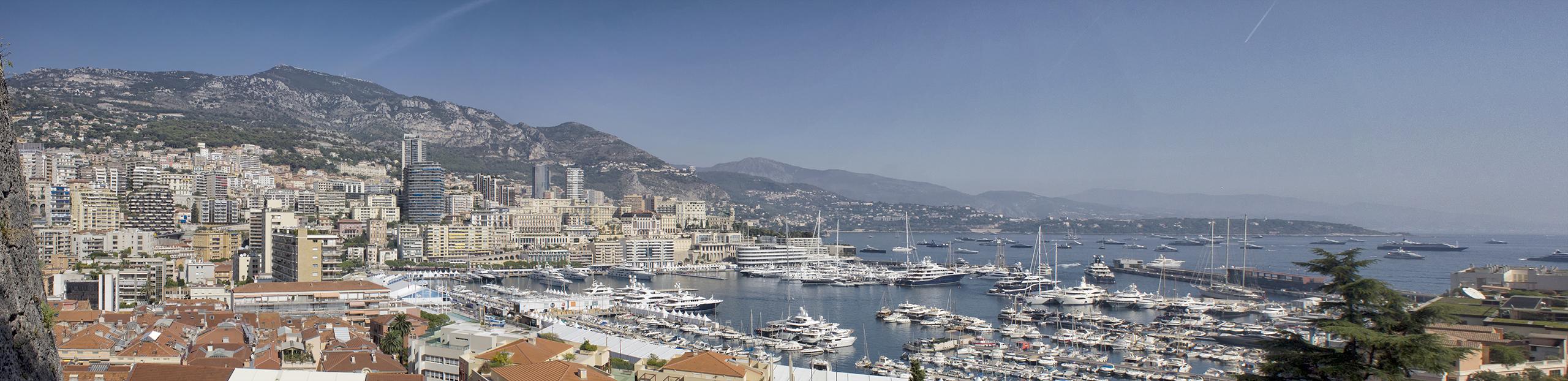 Панорама бухты Монте-Карло